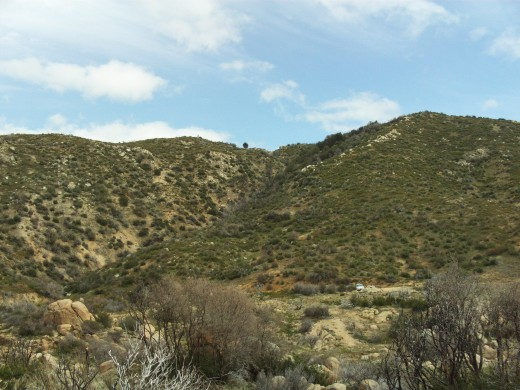 Picture of the hills across Highway 173, right next to The Pinnacles.