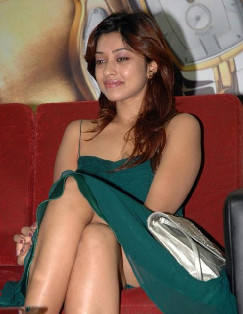 Telugu Masala Actress Harika Hot Thunder Thighs