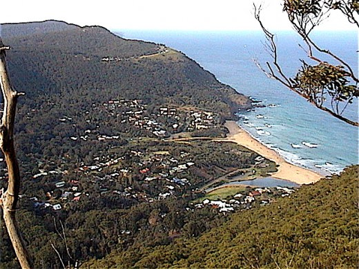 STANWELL PARK looking north to BALD HILL, world famous hang gliding place. Site of Australia's famous aeronautical experimentalist, Lawrence Hargrave.