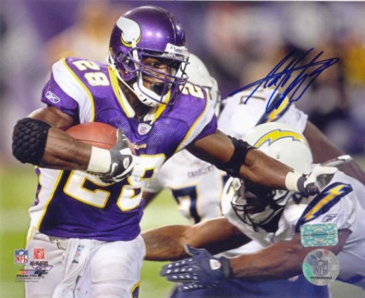 Adrian Peterson Autographed Minnesota Vikings 810 Photo