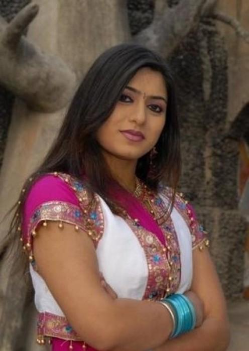Desi Girl Love Wallpaper : DesiGirl -- Beautiful Pakistani Girls, Hot Indian Girls, Wallpapers,: Desi H0t Punjabi Female ...
