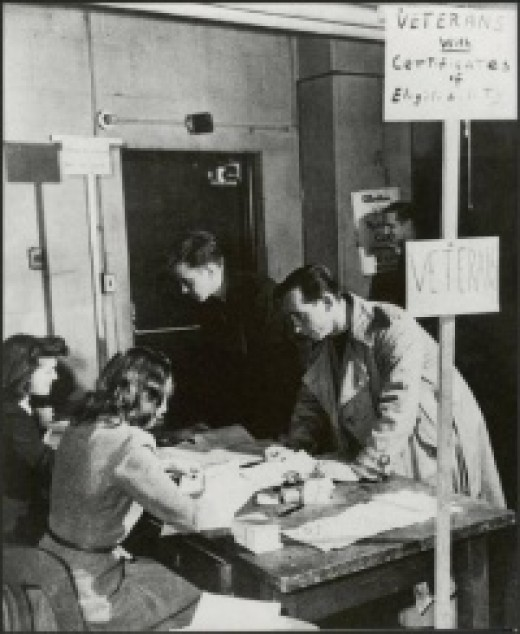 Veterans registering for classes, 1946
