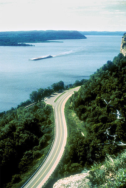 Wisconsin Great River Road, Mississippi River