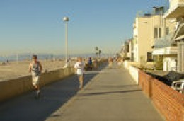 Courtesy TrekEart.com     Boardwalk @ Redondo Beach
