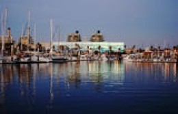 Courtesy TrekEarth.com    King Harbor Pier