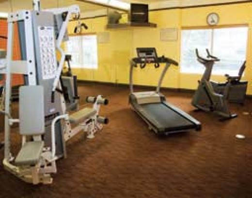 Typical La Quinta Hotel fitness center.