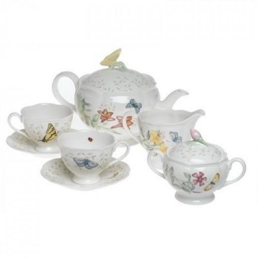 A beautiful china tea set by Lenox.