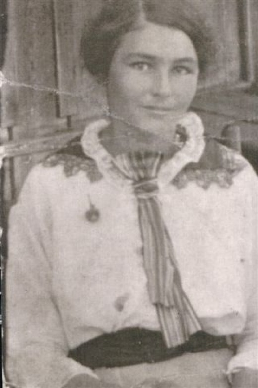 Grandmother Florence Parnell as a young girl. Note features.