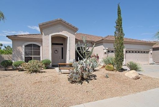 This is a nice home, newer, updated and of good size, however in other parts of the Phoenix Valley you can get a whole lot more home for this amount of money.