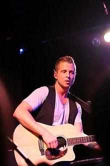 Ryan Tedder performing with band OneRepublic. Photo credit: wikipedia.com