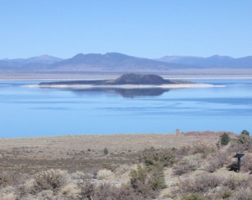 Mono Lake / Photo by E. A. Wright