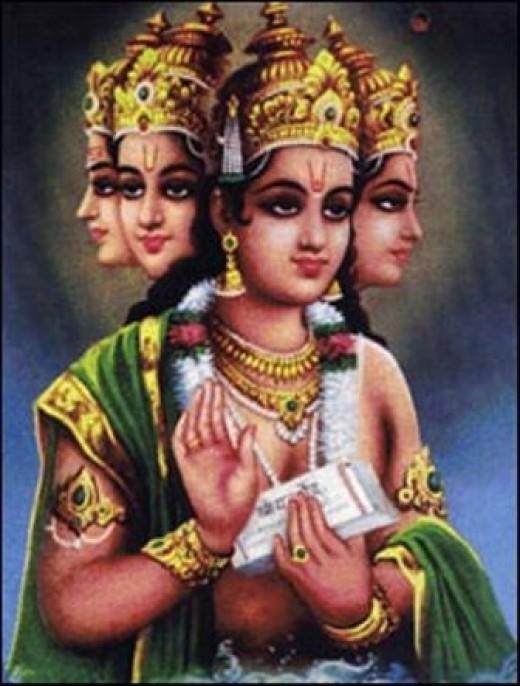 Brahma, el dios con cabeza de cuatro, el Creador.  Nunca es adorado como una deidad personal.