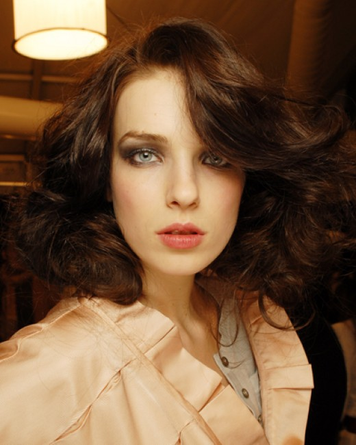 retro hairstyle long. medium length retro hairstyles