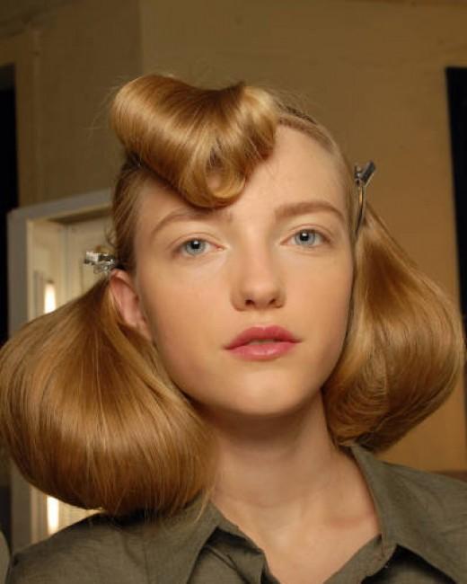 40 s Medium Short Retro Vintage Hairstyles for Women