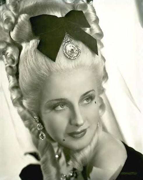 "Norma Shearer was a great actress who won an academy award for best actress in the movie, ""The Divorcee""."