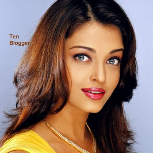 What's more beautiful Aishwarya Rai or the Gold Jewelry - stunning Ash of course