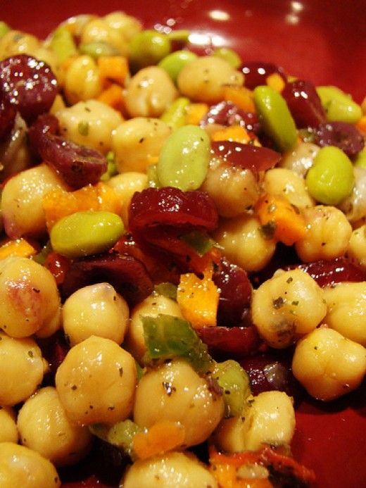 Healthy chickpea salad Photo: norwichnuts @flickr
