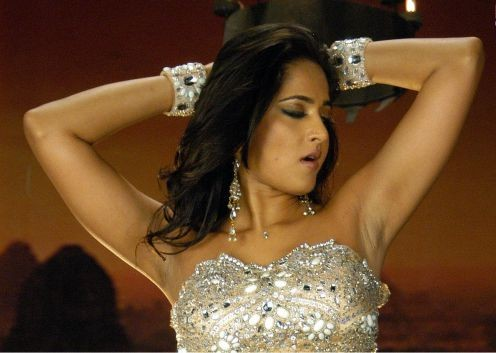 Anushka Shetty Hot Navel and s*xy Thunder Thigh photos