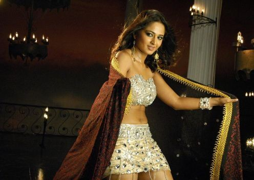 Anushka Shetty Hot Navel and s*xy Thunder Thigh images and stills