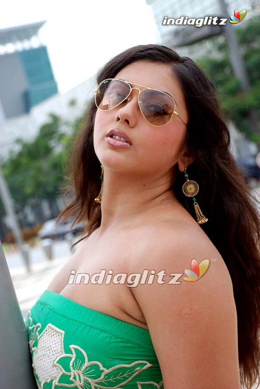 320588 f520 Namitha The South Indian Sex Bomb Gallary