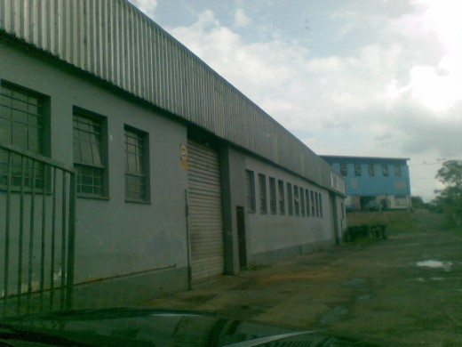 700 sqm factory in Glen Anil