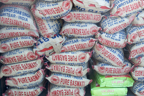 Bags of rice photo: robtain @flickr