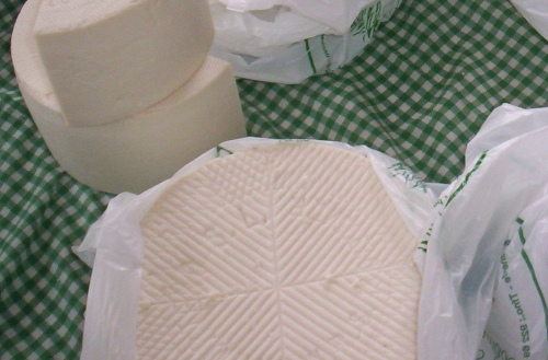 Queso Blanco (Photo courtesy by Secret Tenerife from Flickr.com)