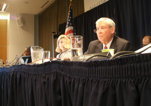 Commission member Bob Graham while questioning a witness. A Republican, he is also co-chair of President Obama's BP oil spill commission.