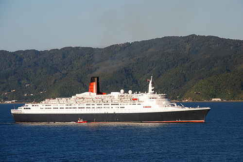 The Clyde-Built 'Queen Elizabeth 2' full of drunk tourists  (Photo by PhillipC @ Flickr Creative Commons)