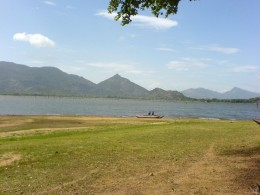Huge open area and the lake near Amaya Lake hotel