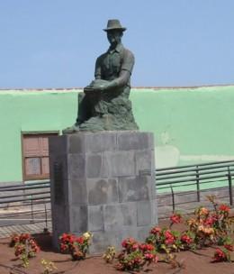 Statue in Punta del Hidalgo