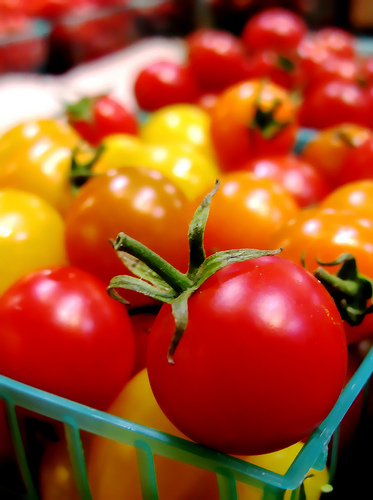 Cherry Tomatoes photo: Darwin Bell @flickr