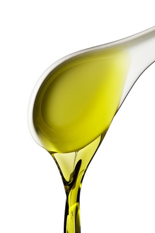Olive oil for beauty photo: 96dpi