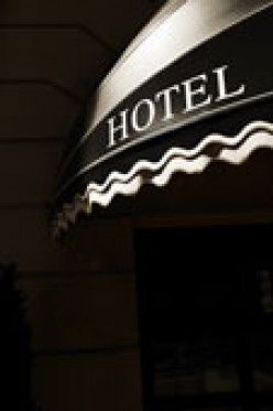 Wedding Guests' Hotel Reservations: Be Careful or Pay!