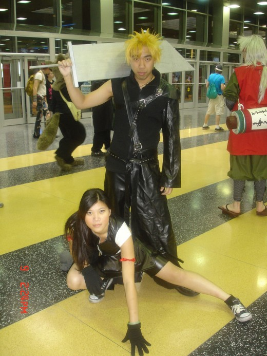 Cloud Strife and Tifa Lockhart Cosplay. Source: Flickr, svtiepe