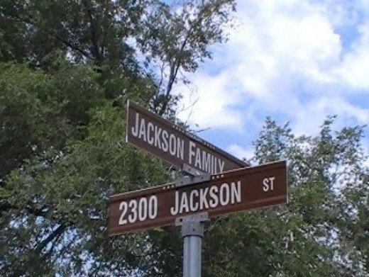 The corner of Jackson & Jackson Family Street in Gary, Indiana Copyright 2009 Mom&Son