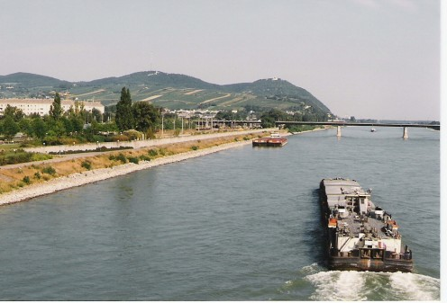 The Danube with a view of Kahlenberg and Leopoldsberg in the background.
