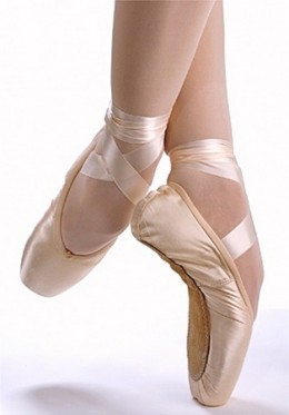 how to dance in pointe shoes