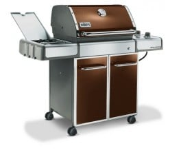 Recessed side burner doubles as preparation space.
