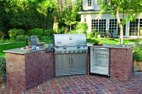 Weber Summit Built in outdoor kitchen BBQ grill