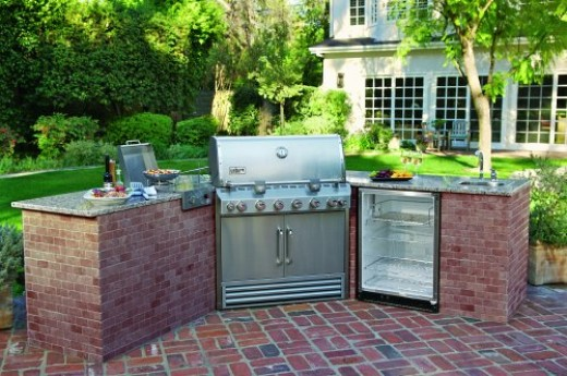 Weber Summit Built in outdoor kitchen BBQ grill