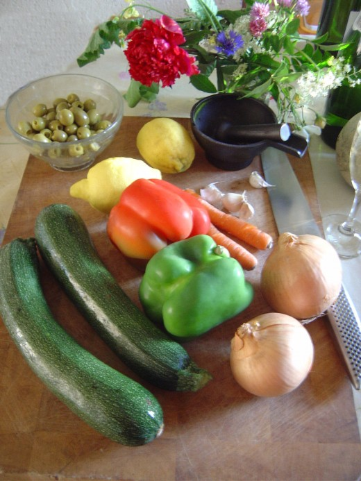 You can use a wide range of vegetables and fruits.