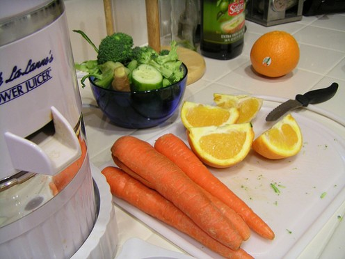 Carrot juicer with ingredients ready to go