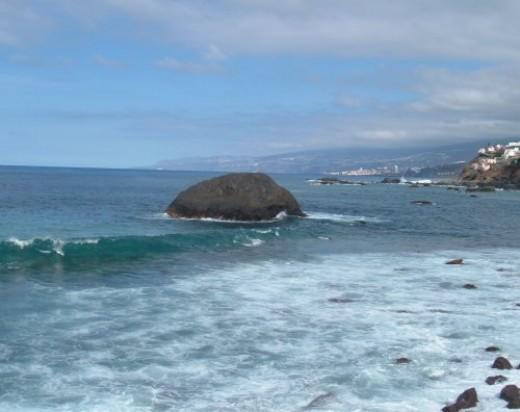 Las Aguas islet