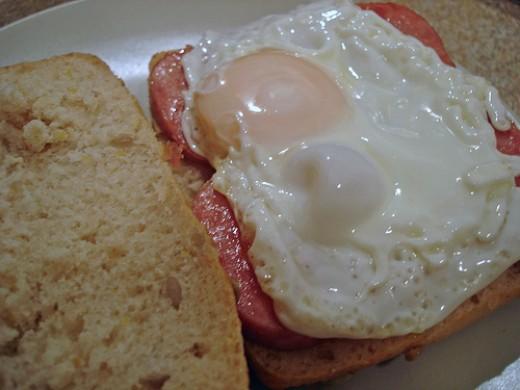 Spam Egg Sandwich photo: su-lin @flickr