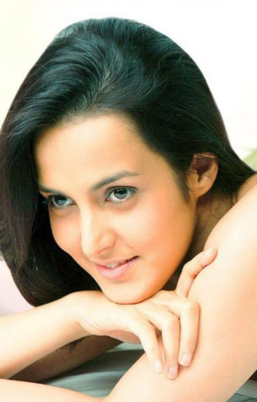 BOLLYWOOD SEXY ACTRESS TULIP JOSHI SEXY PICTURES wallpapers