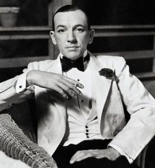 A young-ish Noel Coward