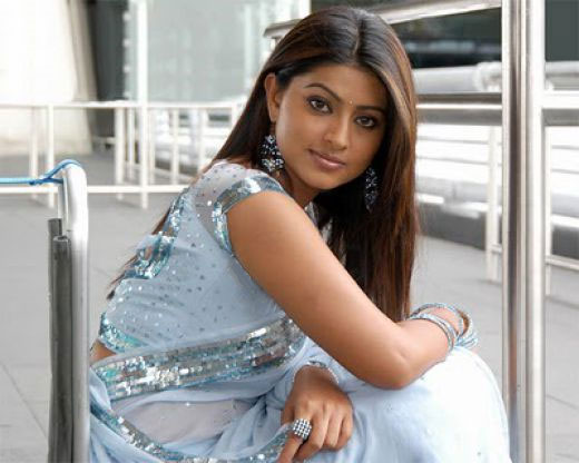 south-indian-actress-smile-queen-sneha