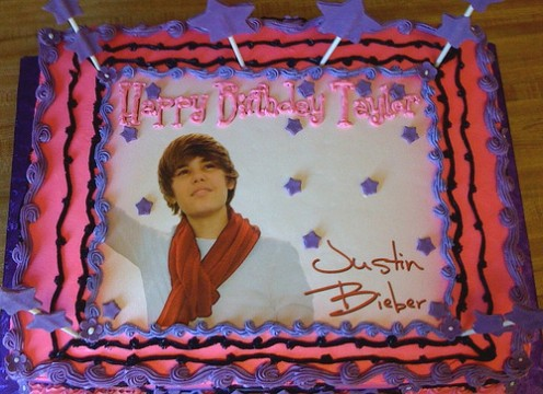 Walmart Birthday Cake Designs on Justin Bieber Birthday Cake Credited To Here