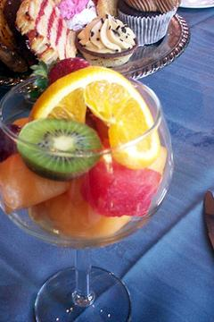 Pour champagne over mixed fruit for a refreshing dessert. Photo: paulswansen, Flickr